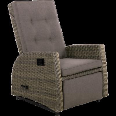 Comfortabele schommelstoel Soho Choc van hoogwaardig vlechtwerk met verstelbare rugleuning voor optimale ontspanning.
